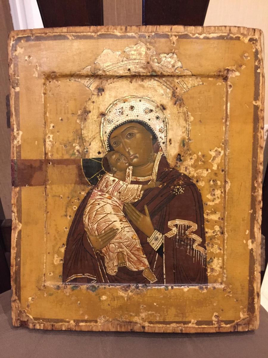 Икона Владимирской Божией Матери. Размеры: 31х26,5 см. Конец 17 века. После реставрации.
